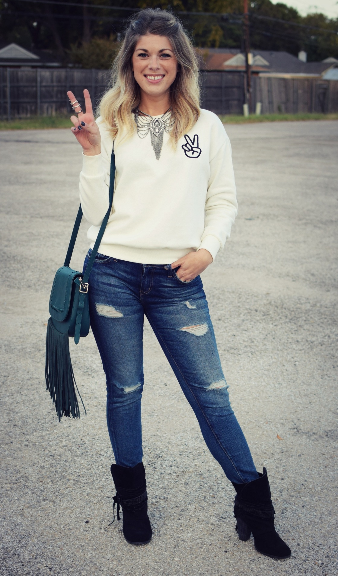 peace_sweatshirt_1