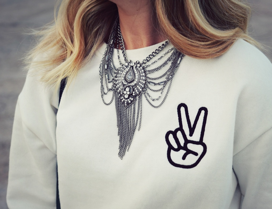 peace_sweatshirt_7.jpg