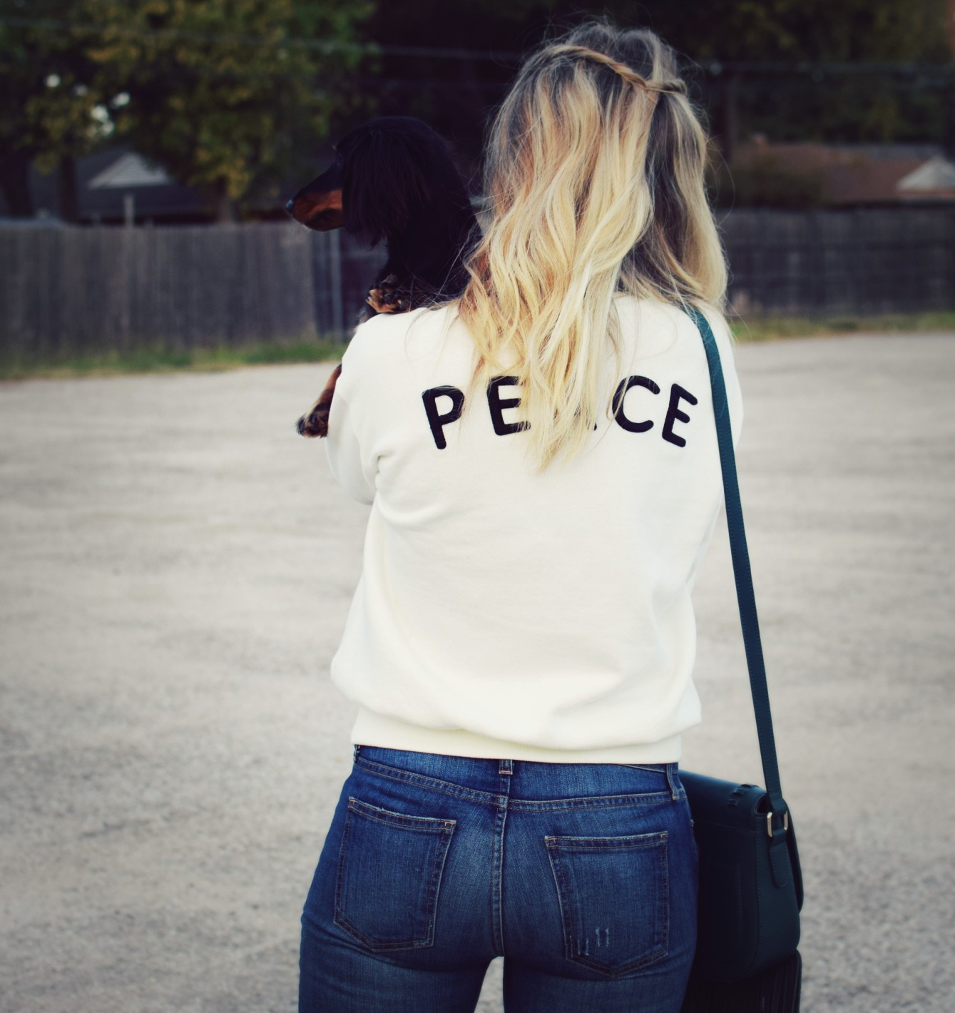 peace_sweatshirt_9